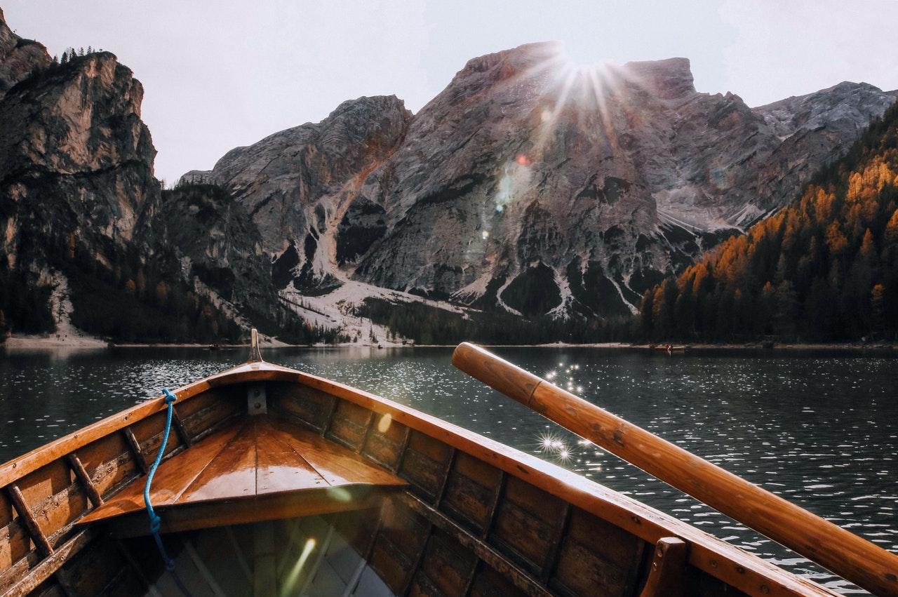 boat-daylight-hd-wallpaper-675764 (1)
